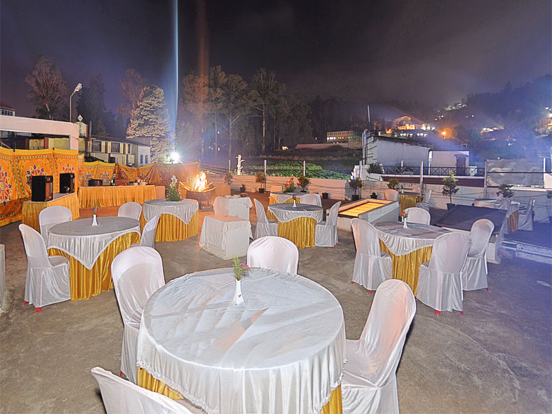 star hotels with restaurant in ooty